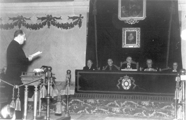 Lectura del discurso de ingreso de Esteban Terradas en la Real Academia Española el 13 de octubre de 1946.